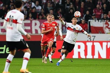Einen Punkt konnte der VfB Stuttgart (weiße Trikot) gegen Union Berlin noch ergattern. Foto: Silas Stein/dpa