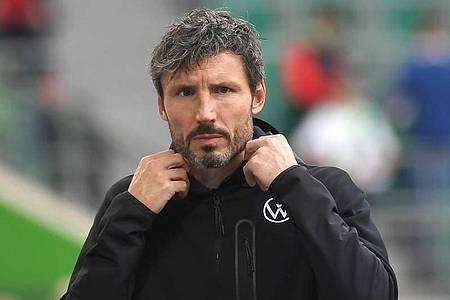 Ist nicht mehr Trainer beim VfL Wolfsburg: Mark van Bommel. Foto: Swen Pförtner/dpa