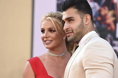 "Britney Spears und Sam Asghari 2019 bei der Premiere von ""Once Upon a Time in Hollywood"" in Los Angeles. Foto: Jordan Strauss/Invision via AP/dpa"