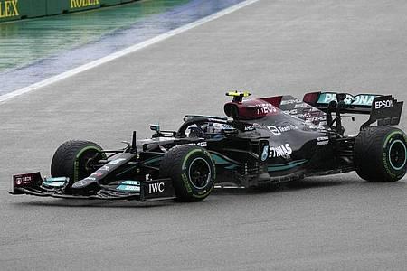 Lewis Hamilton hofft auf einen erneuten Sieg in Sotschi. Foto: Sergei Grits/AP/dpa