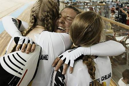 Das deutsche Team hatte bei der Bahnrad-WM viel Grund zum Jubeln. Foto: Thibault Camus/AP/dpa