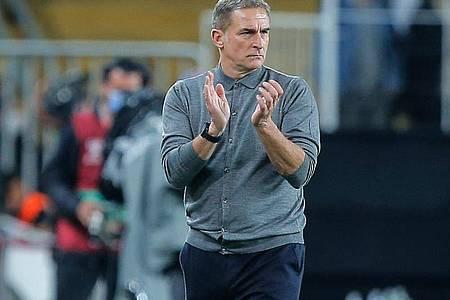 Stefan Kuntz musste sich bei seinem Debüt als Trainer der türkischen Nationalmannschaft mit einem Remis gegen Norwegen zufriedengeben. Foto: Uncredited/AP/dpa