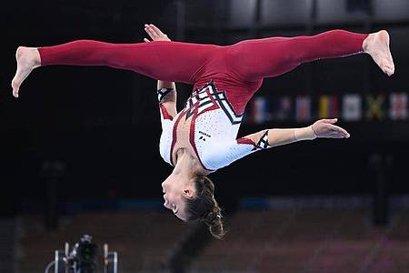 Hat bei der Kunstturn-WM die Chance auf eine Medaille am Schwebebalken: Pauline Schäfer-Betz in Aktion. Foto: Marijan Murat/dpa