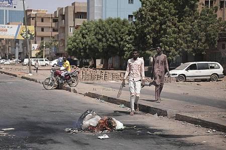 Nach dem Putsch am 25. Oktober 2021 hat das Militär die Macht im Sudan übernommen. Foto: Marwan Ali/AP/dpa