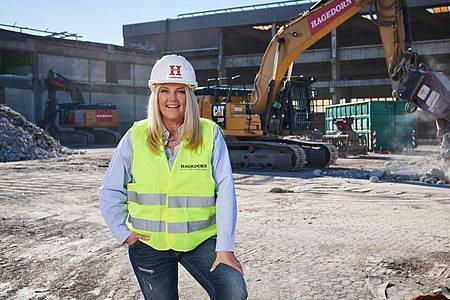 Barbara Hagedorn, Geschäftsführerin der Unternehmensgruppe Hagedorn, möchte Klischeedenken aufbrechen und mehr Frauen auf Baustellen bringen. Foto: Hagedorn/dpa-tmn