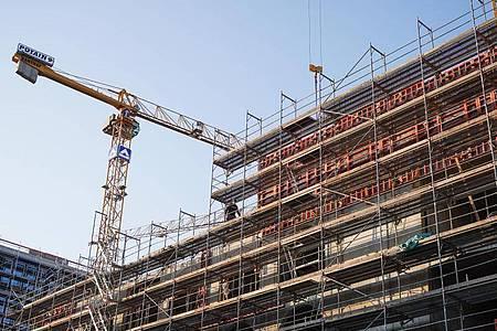 In Berlin-Mitte entsteht neuer Wohnraum. Foto: Jörg Carstensen/dpa