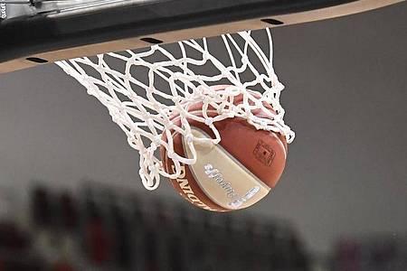 In der Basketball-Bundesliga läuft der 5. Spieltag. Foto: Thomas Kienzle/dpa/Archivbild