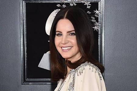 Lana Del Rey kommt zu der Verleihung der 60. Grammy Awards im Madison Square Garden. Foto: Evan Agostini/Invision/AP/dpa